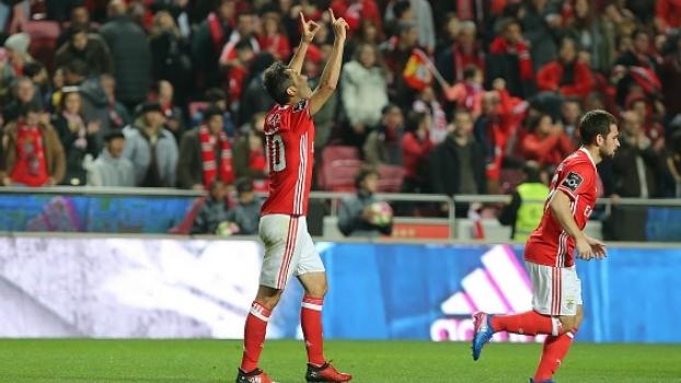 Com dois gols de Jonas, Benfica vence o Nacional com facilidade pelo campeonato português