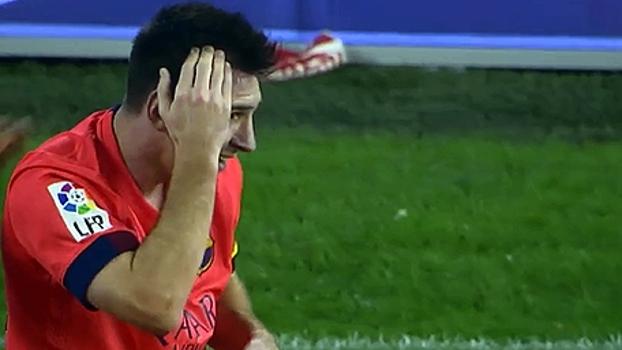 Messi leva garrafada na cabeça durante comemoração de gol contra o  Valencia  veja momento bee1fe0139670