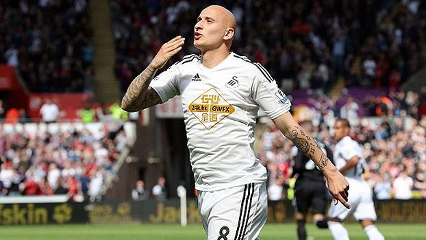 Com pênalti bizarro, Swansea consegue empate diante do Everton