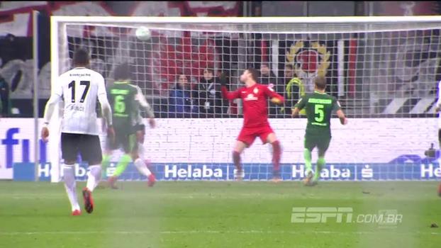 Assista aos melhores momentos da vitória do Eintracht Frankfurt sobre o Werder Bremen por 2 a 1!