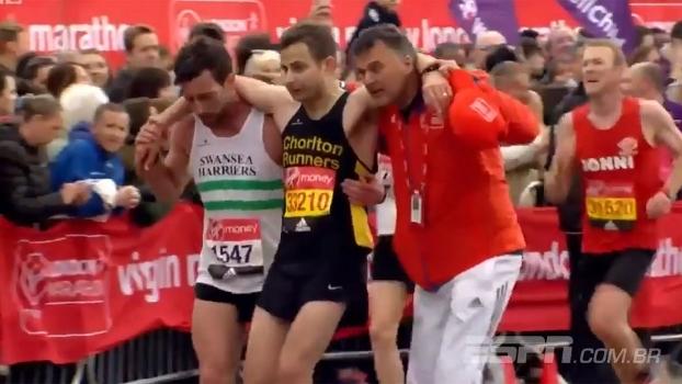Emocionante! Na maratona de Londres, competidor ajuda concorrente a terminar a prova