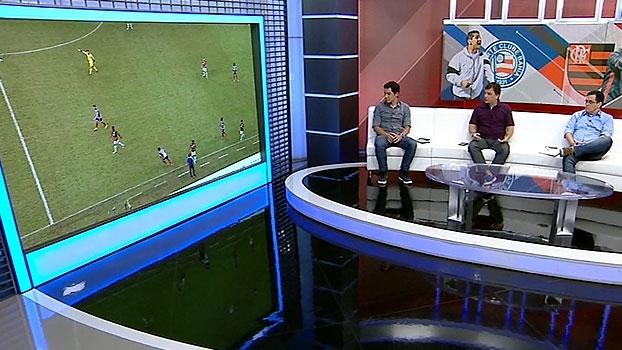 Mauro mostra o 'momento show de horrores' e a bola sendo maltratada por Bahia e Flamengo