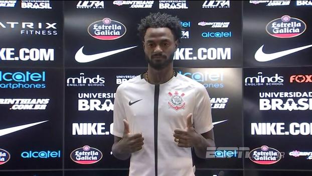 Renê Jr é apresentado no Corinthians: 'Vestir essa camisa é diferente'