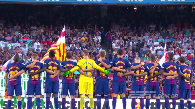 Com minuto de silêncio emocionante, Barcelona e Betis homenageiam vítimas de atentado terrorista