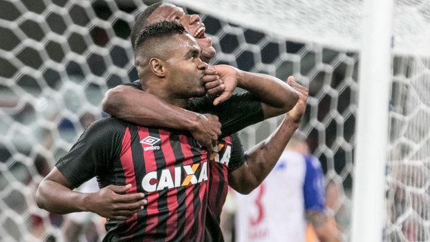 Brasileiro: Gols de Atlético-PR 4 x 1 Bahia