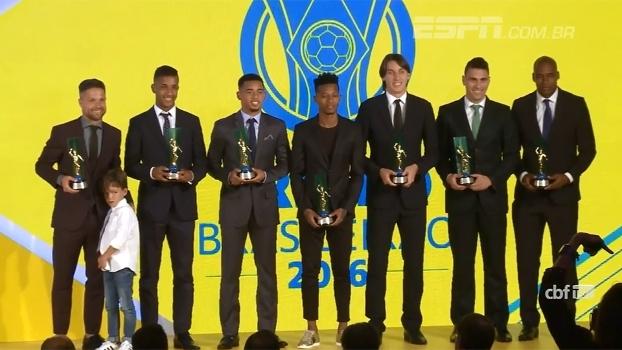 Com domínio do Palmeiras, CBF premia os melhores do Brasileiro
