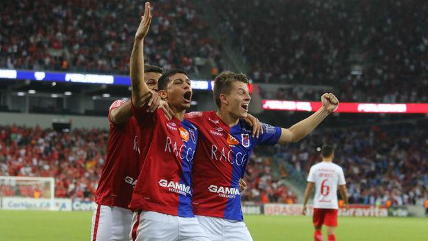 Série B: Gol de Paraná 1 x 0 Internacional