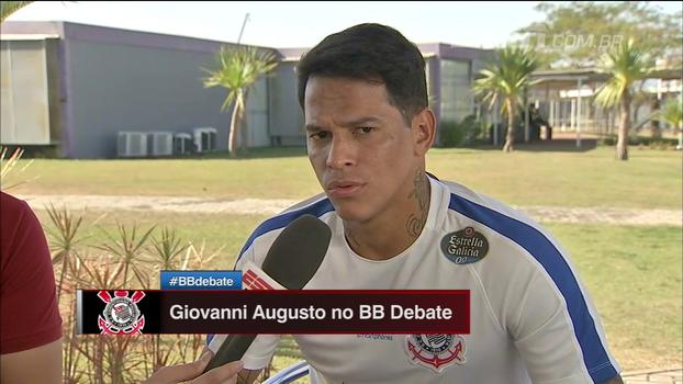 Giovanni Augusto explica por que vetou troca com Valdívia: 'Não era por estar jogando a Série B'