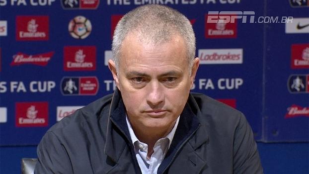 Mourinho elogia profissionalismo de Schweinsteiger e diz: 'Ele é uma opção'