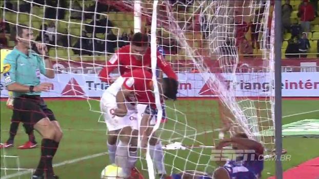 Gol contra do Troyes começa recuperação do Monaco e 'tackle' acaba em briga nas redes; VEJA