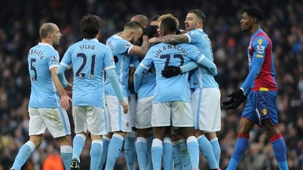 Manchester City goleia Crystal Palace e assume co-liderança provisória