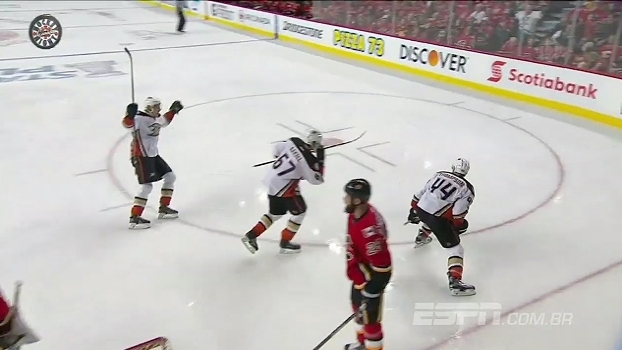 Ducks faz 3 a 1 e elimina Flames; Wild vence Blues e respira na série