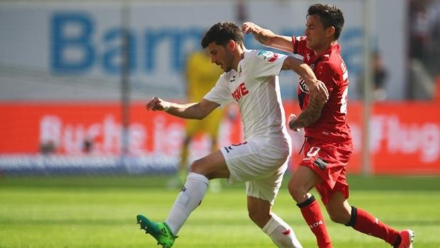 Em casa, Bayer Leverkusen busca o empate no fim com o Colônia