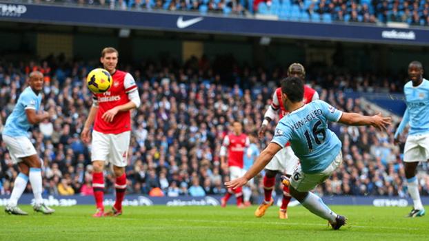 Vítima frequente: veja como Aguero adora fazer gols pelo City contra o Arsenal