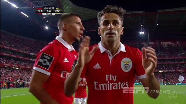 Português: Melhores momentos de Benfica 2 x 0 Paços Ferreira