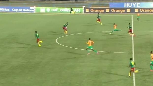 Jogador da Costa do Marfim marca o gol que Pelé não fez!