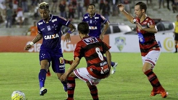 Veja os melhores momentos do empate sem gols entre Campinense e Cruzeiro