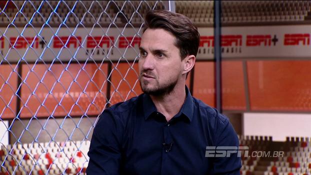 Sávio fica indignado com a 'pobreza' do futebol brasileiro: 'Não consigo ver mais de 30 minutos. Não tem talento, é só chutão'