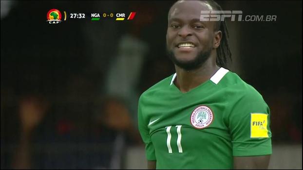 Com show de 'ingleses', Nigéria atropela Camarões e dispara por vaga na Copa de 2018