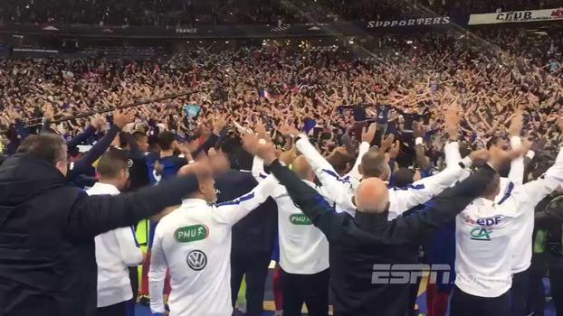 Islândia fazendo escola: França comemora vaga na Copa ao 'estilo viking'