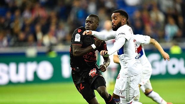 Lyon e Nice empatam por 3 a 3 na última rodada do Francês