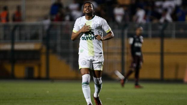 Reinaldo chegou a fazer gol contra o São Paulo, time que detém seus direitos