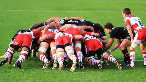 Entenda o que é e como funciona o scrum, do rugby