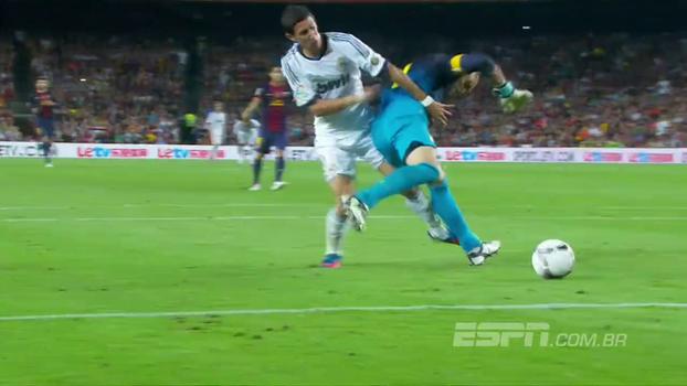 Golaço em jogadaça Iniesta-Xavi e lambança de Valdés; relembre a vitória do Barça contra o Real na ida da Supercopa de 2012