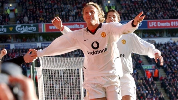 Dudek falhou feio, Forlán brilhou e Manchester United bateu Liverpool na Premier League em 2002