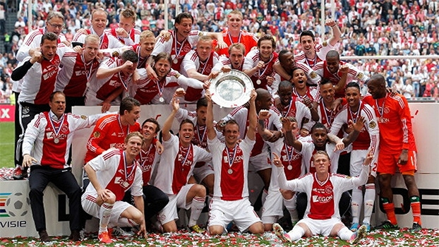 Conheça o Ajax e o técnico que fez voltar o belo futebol da equipe histórica de Cruyff
