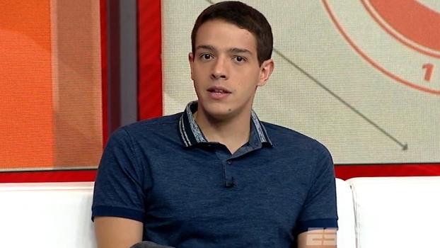 Rafael Oliveira analisa polêmica envolvendo Aylon e gramado do Beira Rio como 'exagero'