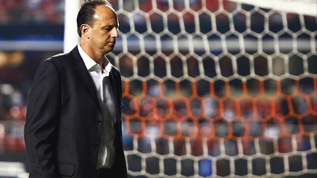 Atrito e susto: entenda a bronca de Ceni durante intervalo de jogo contra o Corinthians