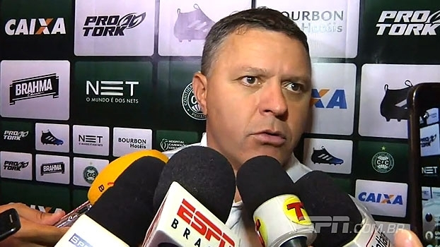 Pachequinho diz que Coritiba sentiu o gol: 'Não foi o jogo que gostaríamos'