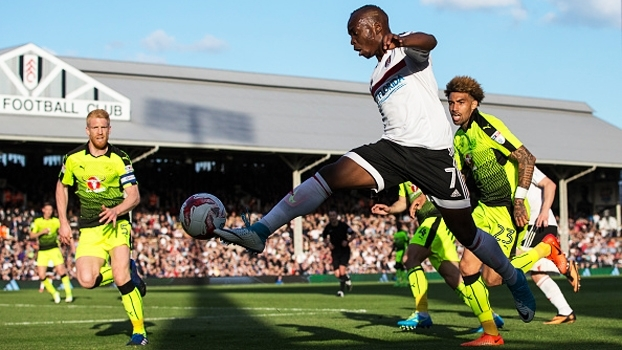 Fulham e Reading empatam na 1ª semifinal da 2ª divisão inglesa