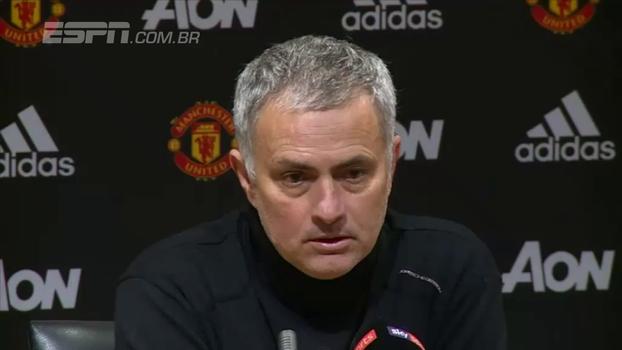 Mourinho diz que esperava tentos mais bonitos do Manchester City: 'Dois gols vergonhosos'