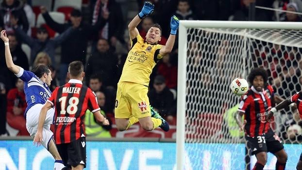 Nice fica só no empate com o Bastia e briga pela liderança do Francês esquenta