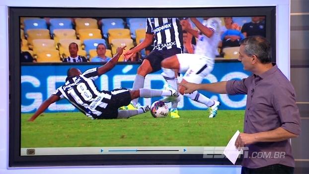 Expulsão e vantagem que quase vira pênalti: Sálvio analisa Botafogo x Vasco