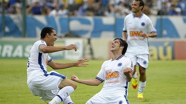 Em 2011, Cruzeiro escapou do rebaixamento ao fazer 6 a 1 no Atlético-MG