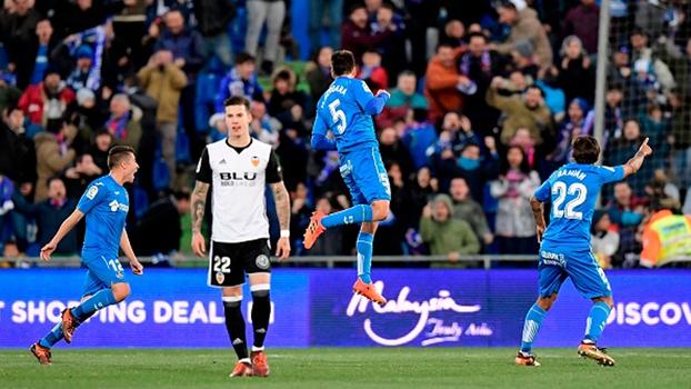 Com um jogador a mais por 75 minutos, vice-líder Valencia perde para o Getafe em LaLiga
