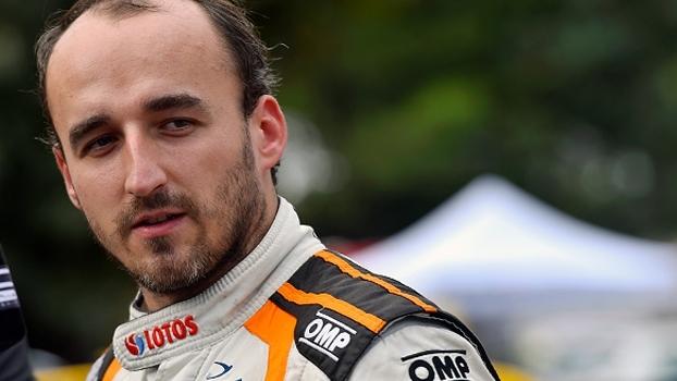 Kubica volta ao volante pela primeira vez desde acidente em 2011