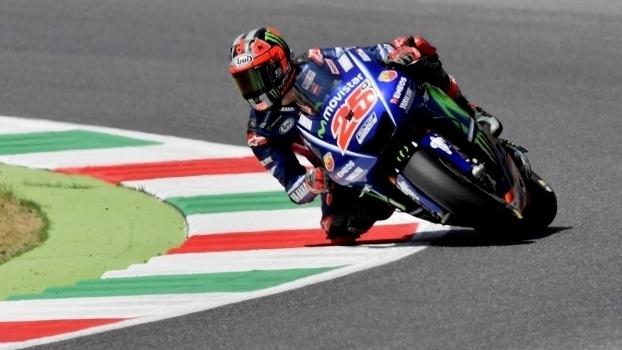 Viñales supera Rossi e é pole em Mugello; veja