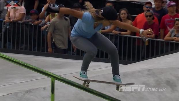 Com 16 anos, brasileira Pâmela Rosa conquista o ouro no skate street nos X Games Austin