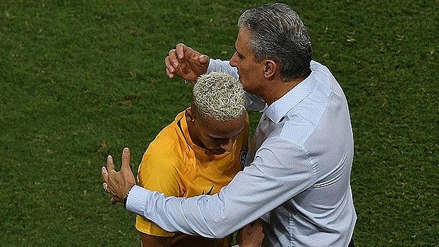 Tite explica ausência de Neymar de amistosos e diz que gostaria de convocar todos