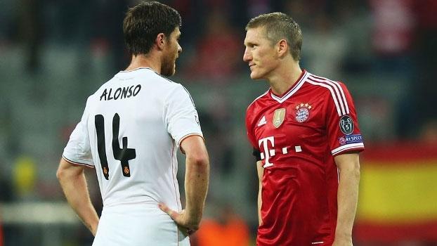 Veja o lance que rendeu o cartão amarelo e tirou Xabi Alonso da final da Champions League