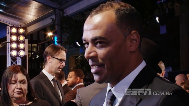 Cafu diz que Neymar cresceu e assumiu postura de líder no PSG: 'Uma das peças principais do futebol mundial'