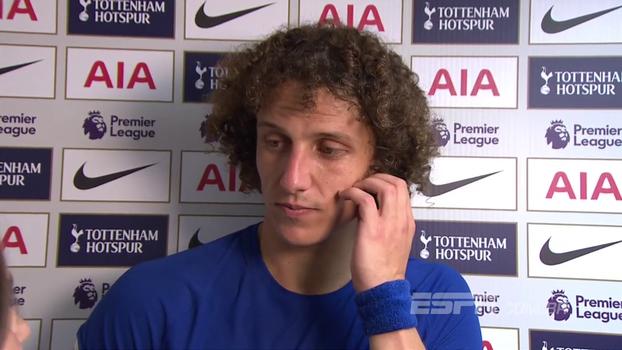 Após vitória sobre Tottenham fora de casa, David Luiz comenta novo posicionamento e primeiros três pontos