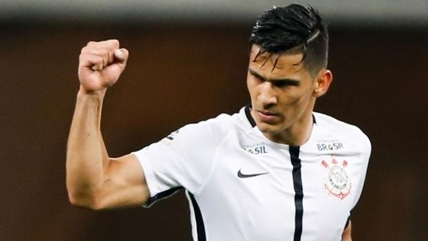 Brasileiro: Gol de Corinthians 1 x 0 Cruzeiro
