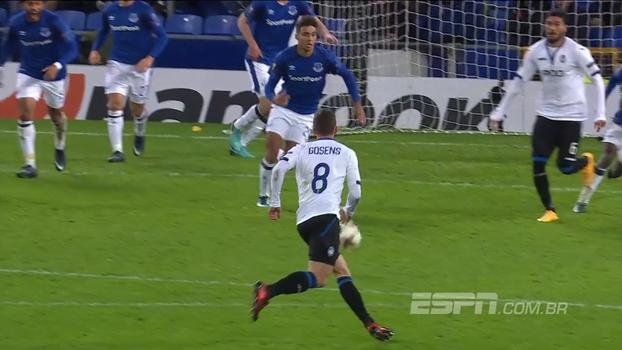 Com três gols em 8 minutos, Atalanta atropela Everton na Inglaterra e assume liderança do grupo