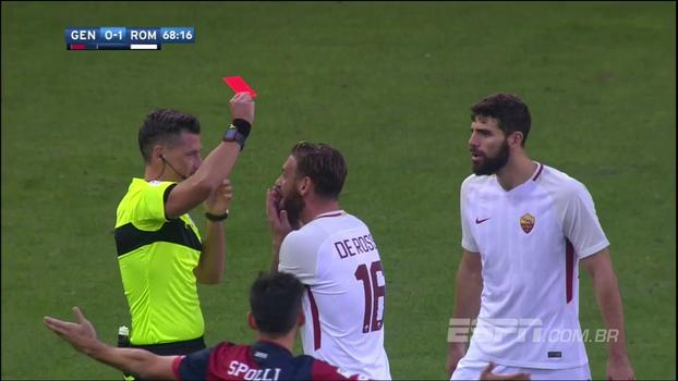 De Rossi dá tapa na cara do adversário, árbitro de vídeo entrega, juiz marca pênalti, expulsa volante e Roma leva empate