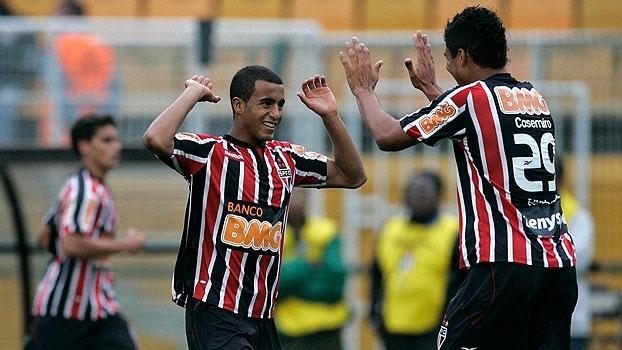 Em 2010, Lucas e Fernandão comandaram vitória do São Paulo sobre o Palmeiras